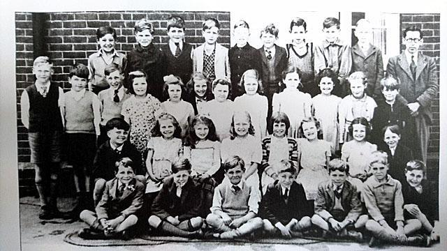 1951-Class 4 Mr Hogan
