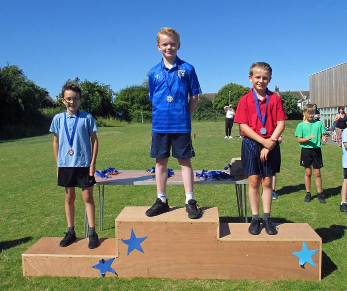 Year 4 Boys Short Race Winners