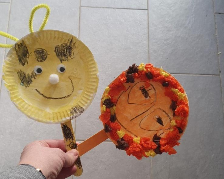 Scaredy the lion & Longy the giraffe puppets!