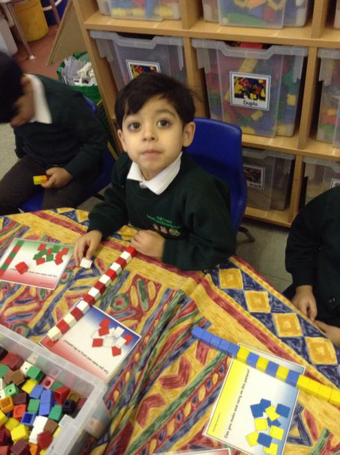 A repeating pattern using two colours.