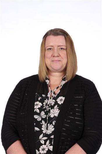 Mrs L Davis, Year 2 Teaching Assistant