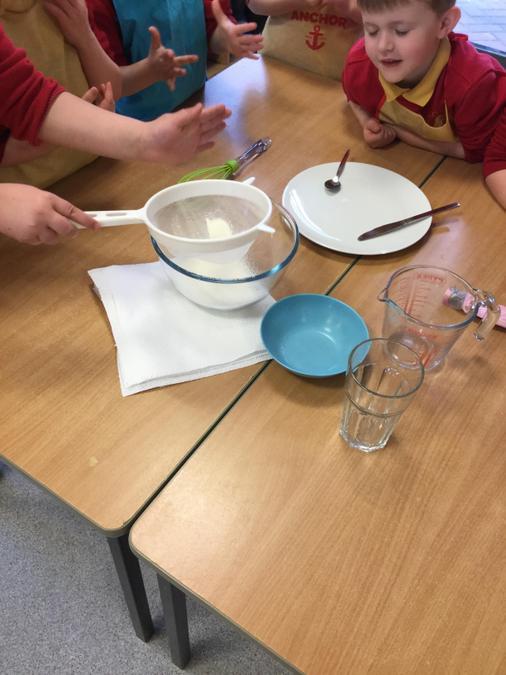 MD - Measuring pancake ingredients