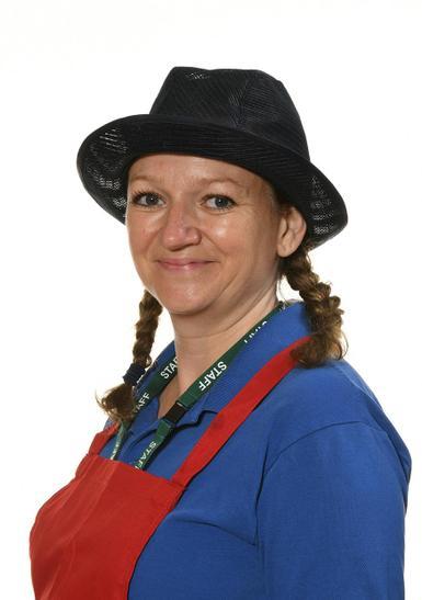Mrs L Morgan - Kitchen Assistant
