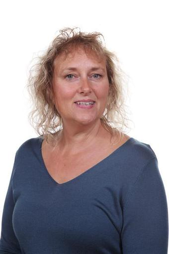 Ms Alison Jones - Associate Teacher (FS and Y1)