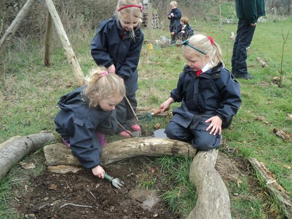 Mud pie madness at Forest School