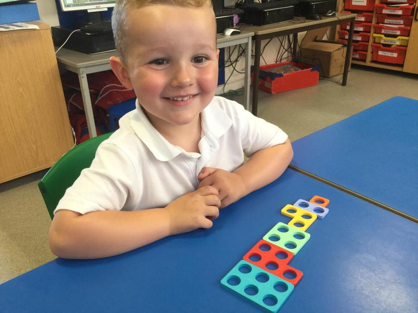 Exploring Numicon for the first time.