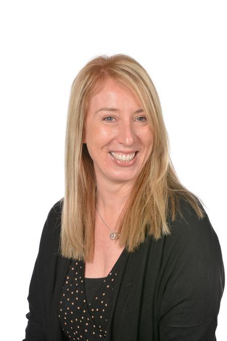 Mrs Kern - Teaching Assistant/MDA