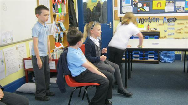 Using drama to enact E-safety scenarios