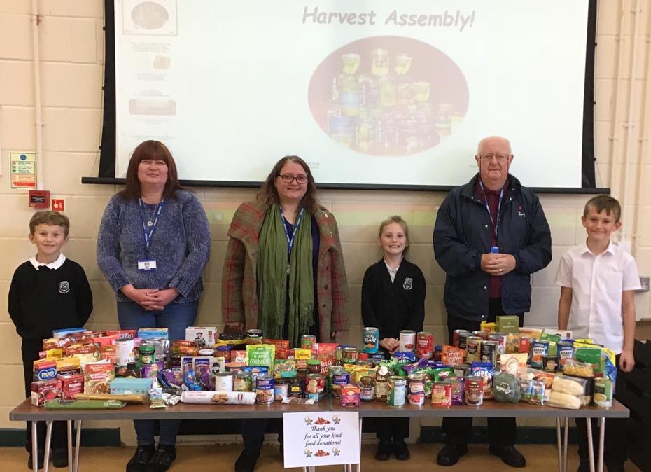 Y6 Helpers & Salvation Army & Food Bank Guests!