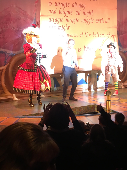 ... and finally, Mr Bolton in his starring role!