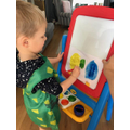 Teddy mixing colours