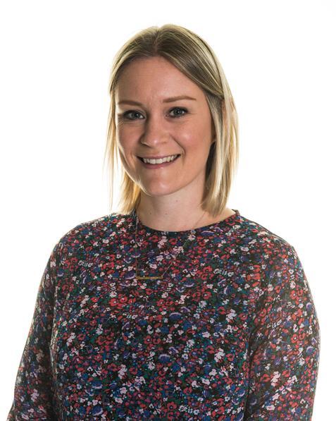 Mrs Cresswell-BAHonsTextile PGCE 5-11 PE/Sports