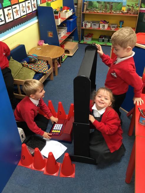 The children have built a shop !