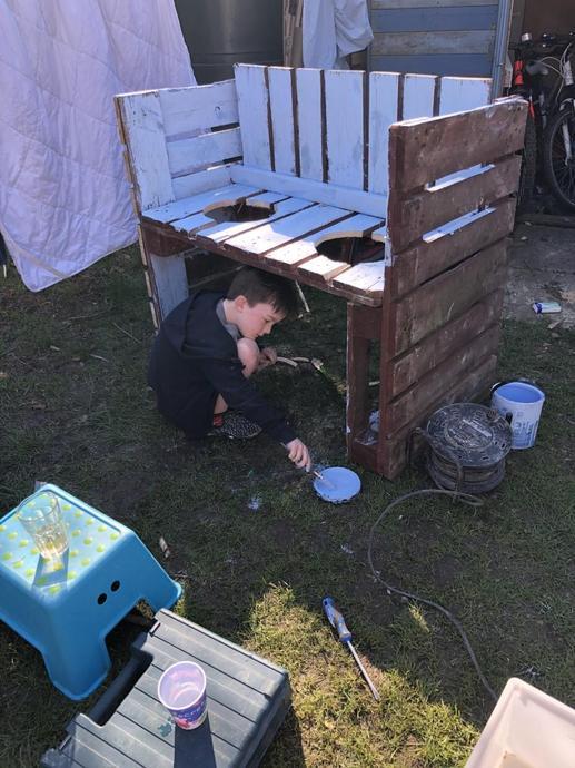 Making a mud kitchen