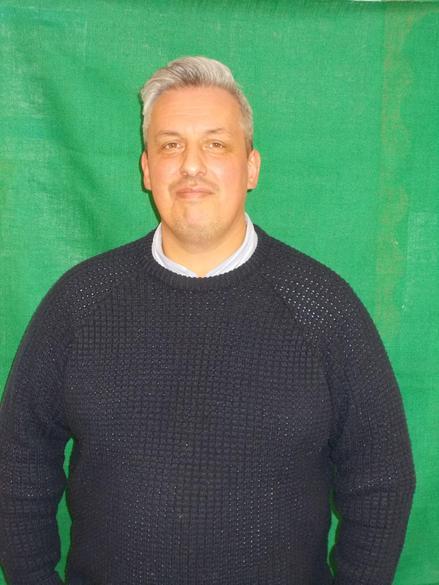 Mr Hendy - Year 6 SPRUCE - Teacher