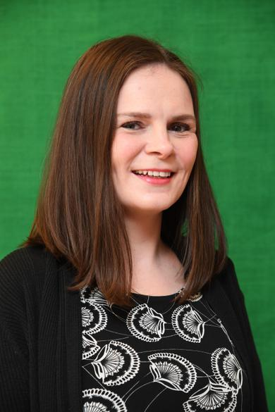 Mrs Crawford - Year 6 HOLLY Trainee Teacher (SCITT)