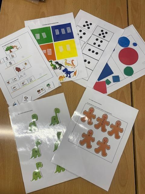 Velcro workstation tasks aimed to support children improve their visual recognition skills