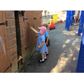 Painting with water & exploring the shaving foam