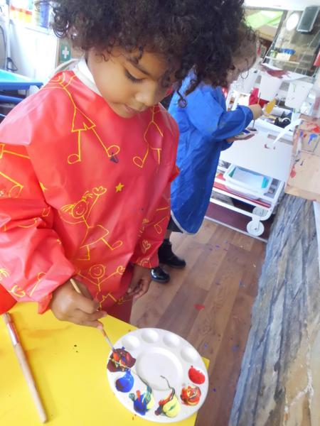 Experimenting with colour mixing in our Workshop