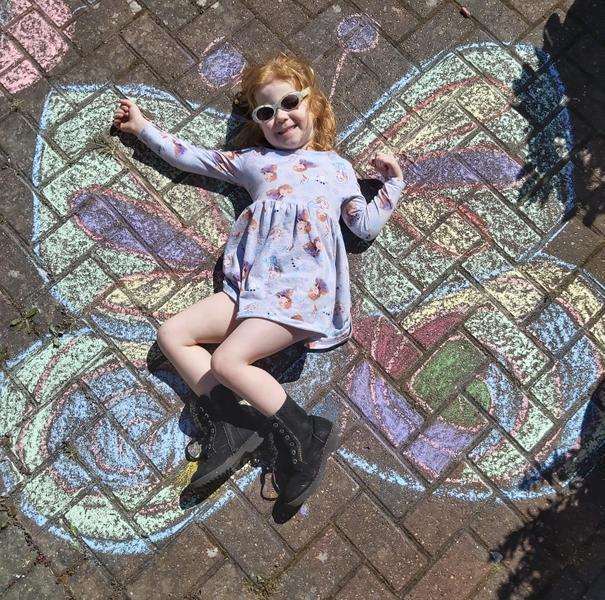 Super butterfly chalking 🦋