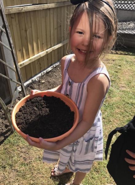 Making a fairy garden 🍄🧚🏼♀️