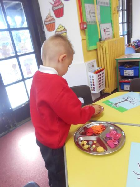 Sorting buttons by colour in investigations area