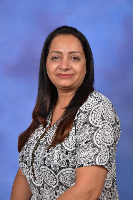 Mrs R Kaur - Year 6 Learning Coach