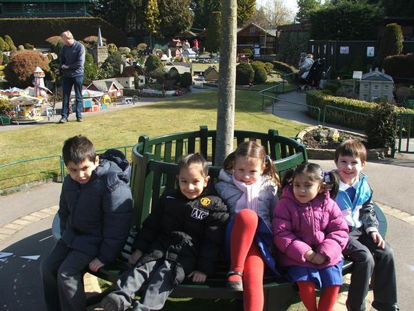 Wrens school trip to Bekonscot Model Village
