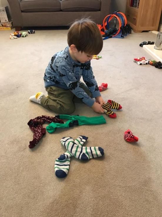 Sorting socks by pattern and size