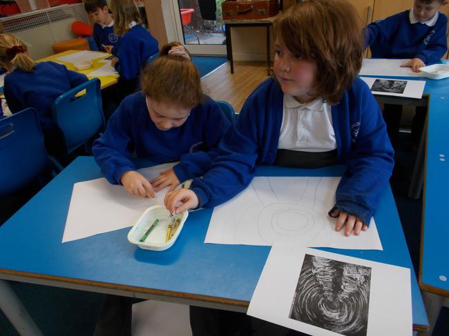 Sketching in the style of Henry Moore