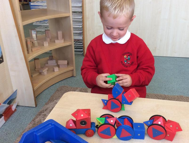 Magnetic shapes to build with