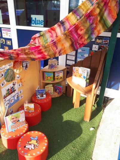 Outdoor Book-Corner