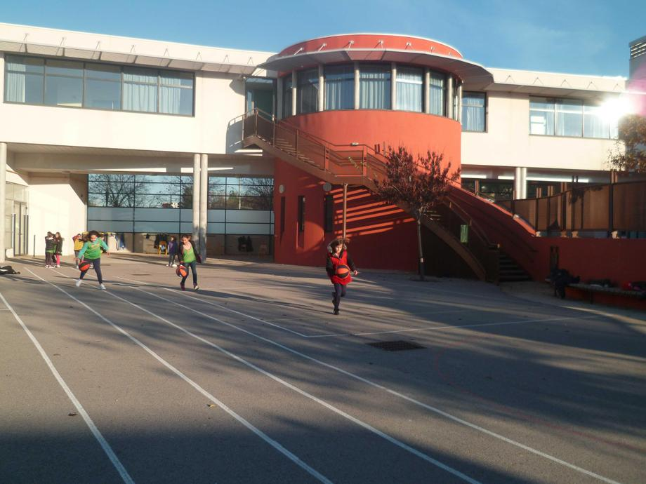 Olympes de Gouges School