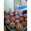 Yummy cakes, Nieve!