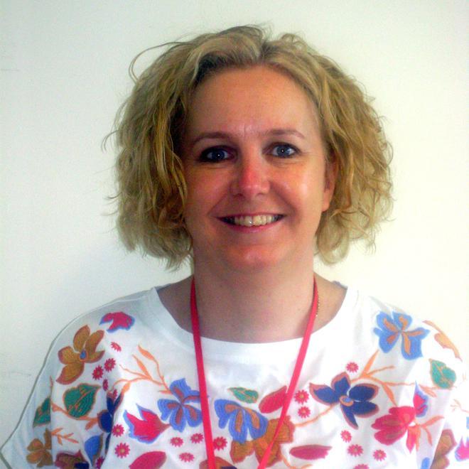 Mrs Mac Skimming - Year 3 Teacher