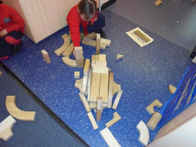 Can you guess Izabella's favourite building?