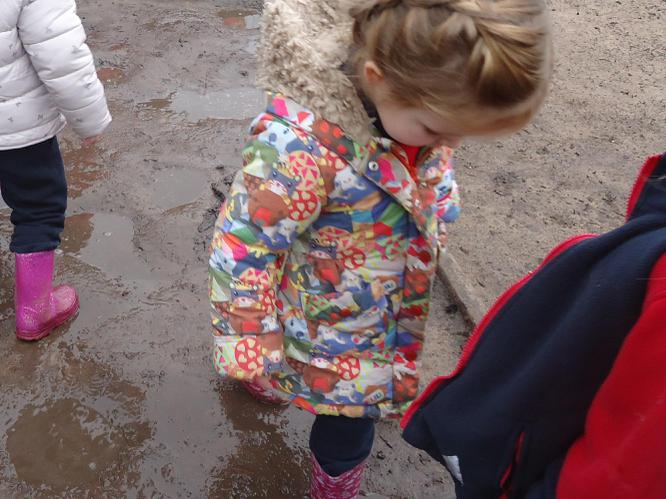 Uh-uh! Mud! Squelch squirch, Squelch squirch!