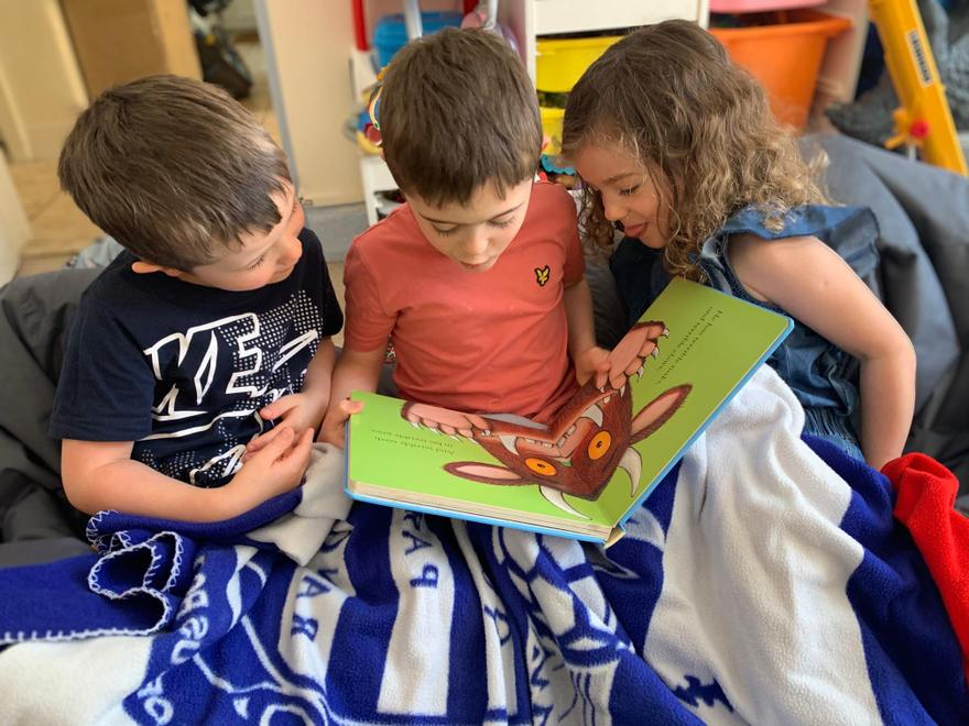 Kacey-Leigh Reading with her Brothers