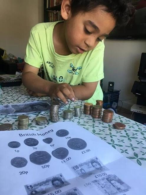 Mateo CR learning about money