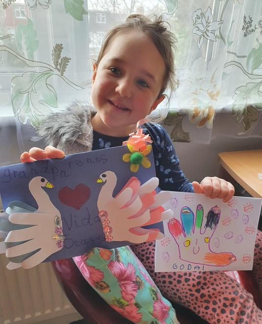 Goda's handprint swan cards