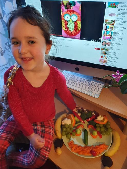 Goda's fruit and vegetable face