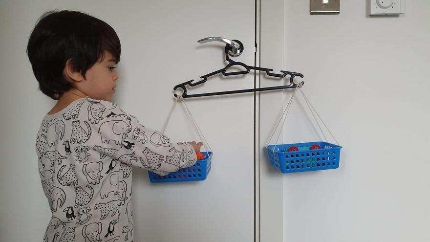 Thomas' balance scales