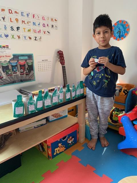 Mateo B's 10 green bottles