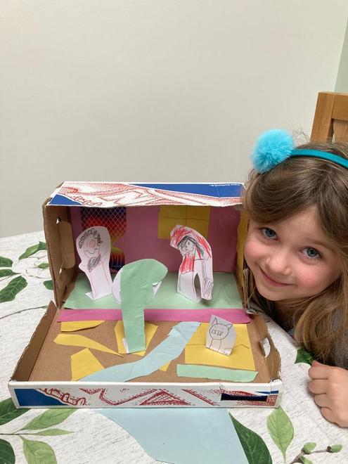 Kika's LRRH story in a shoe box