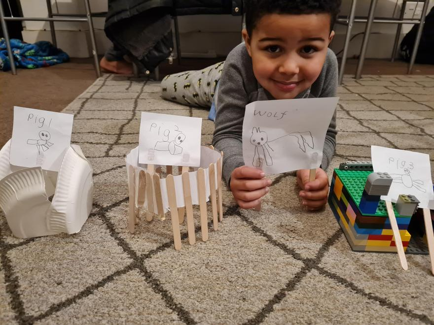 Gabriel's 3 little pigs with houses