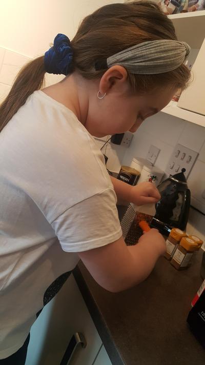 Jorgie Year 3 carrot cake making