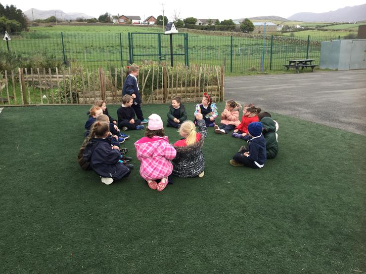 "We can play many playground games such as ""duck-duck goose!"" It's one of our favourites! We can also play it in Spanish!"