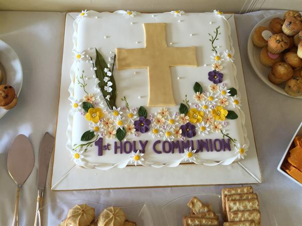1st Holy Communion cake at Holy Cross Church