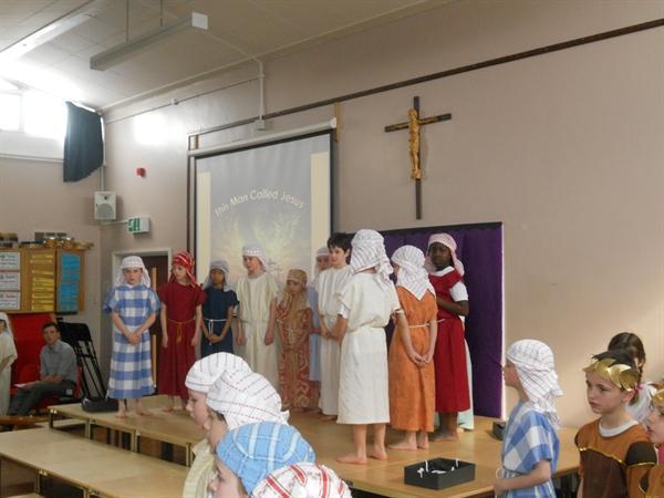 Jesus arrives in Jerusalem