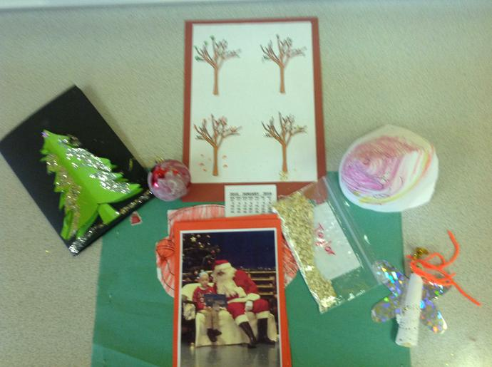 We have completed some lovely Christmas crafts.